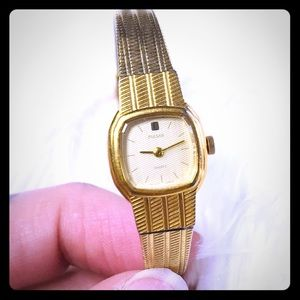 Pulsar vintage quarts ladies watch